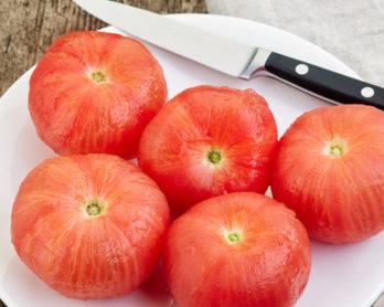Como tirar a casca do tomate