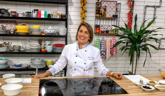 Paula Weber na cozinha do Bork